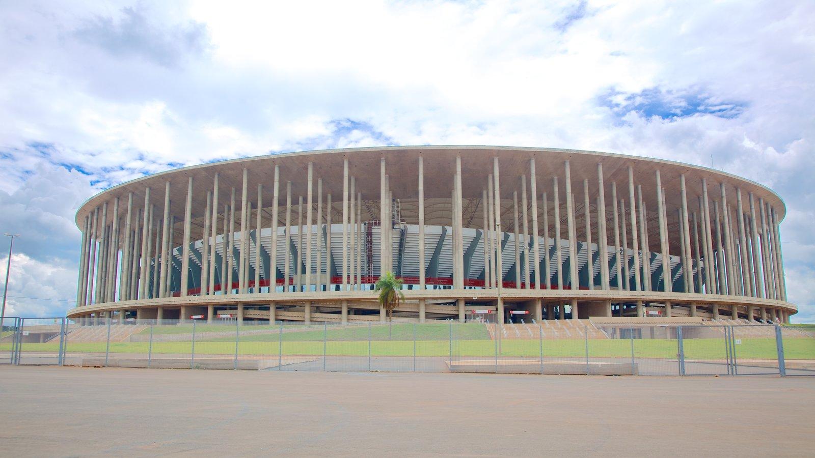 Estádio Mané Garrincha caracterizando arquitetura moderna