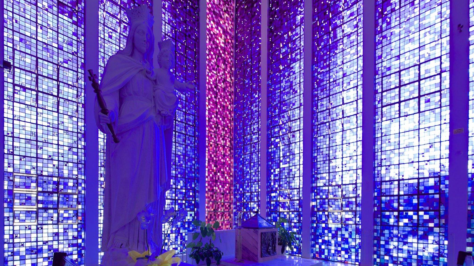Santuário Dom Bosco mostrando aspectos religiosos, vistas internas e uma igreja ou catedral