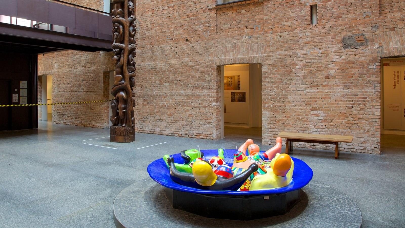 Pinacoteca do Estado mostrando vistas internas e arte