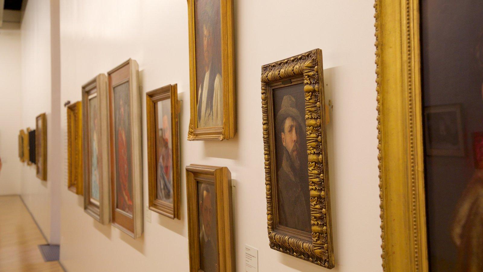 Pinacoteca do Estado caracterizando vistas internas e arte