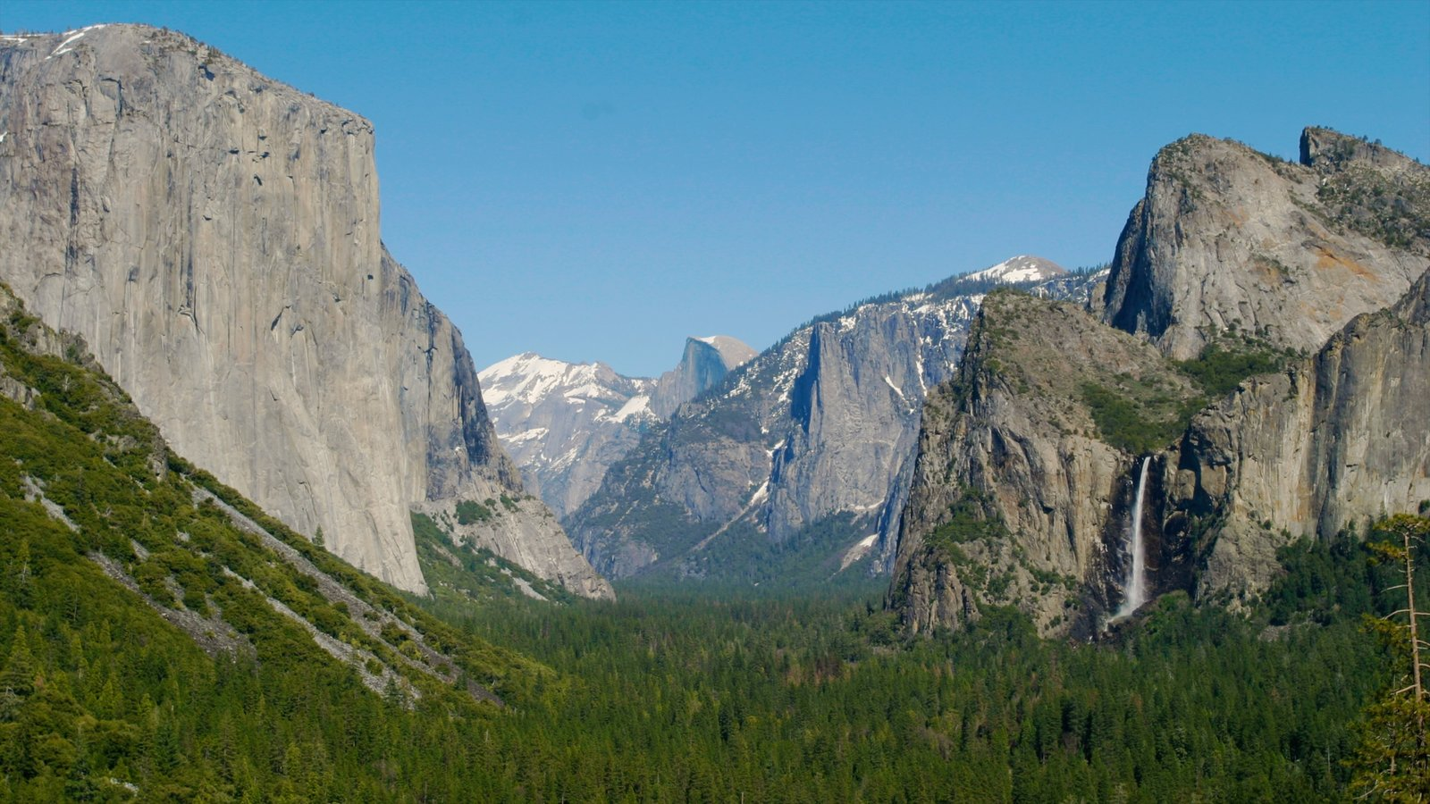 Yosemite Valley mostrando montanhas