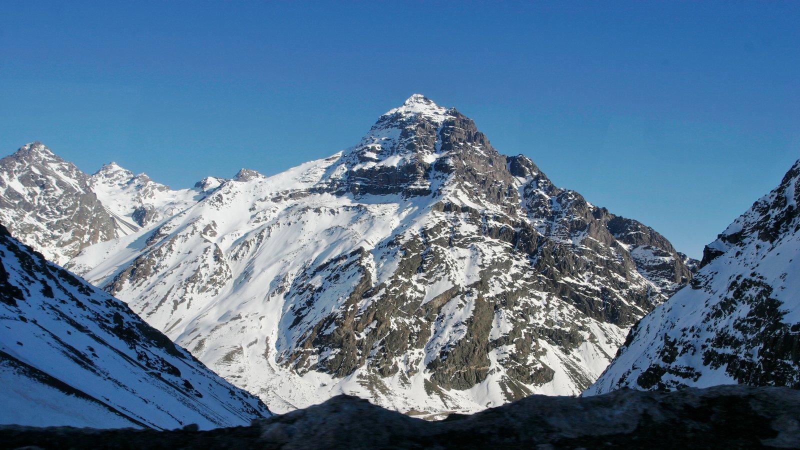 Chile que inclui montanhas e neve