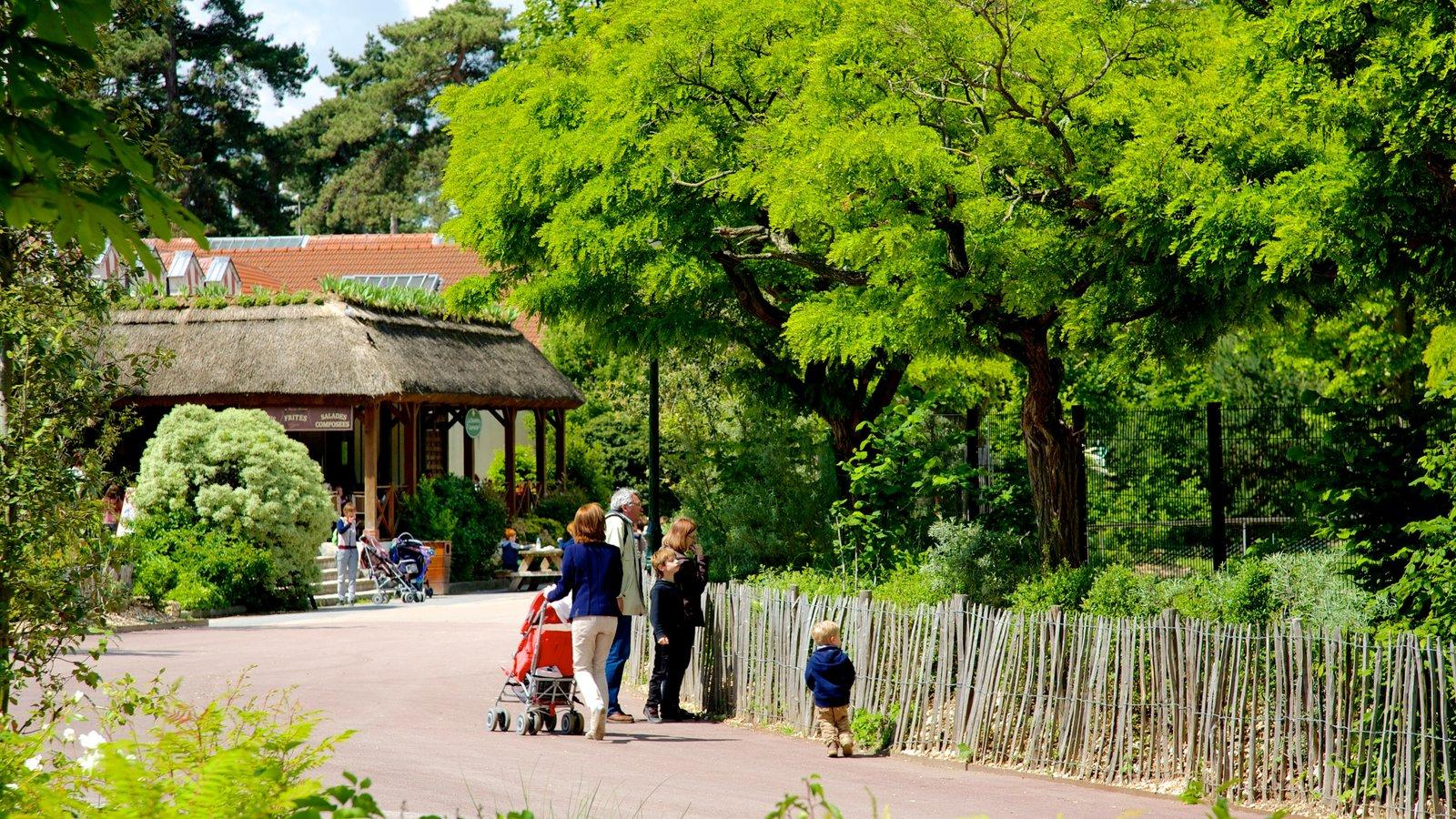 Jardin d 39 acclimatation pictures view photos images of - Pavillon des oiseaux jardin d acclimatation ...