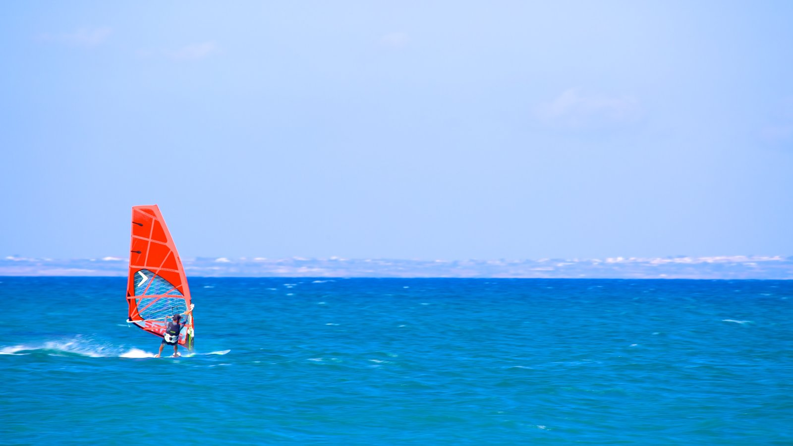 Larnaca showing tropical scenes, surf and windsurfing