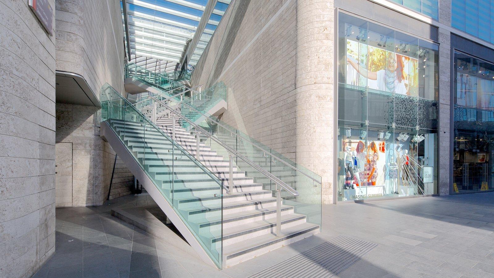 Liverpool ONE mostrando arquitectura moderna
