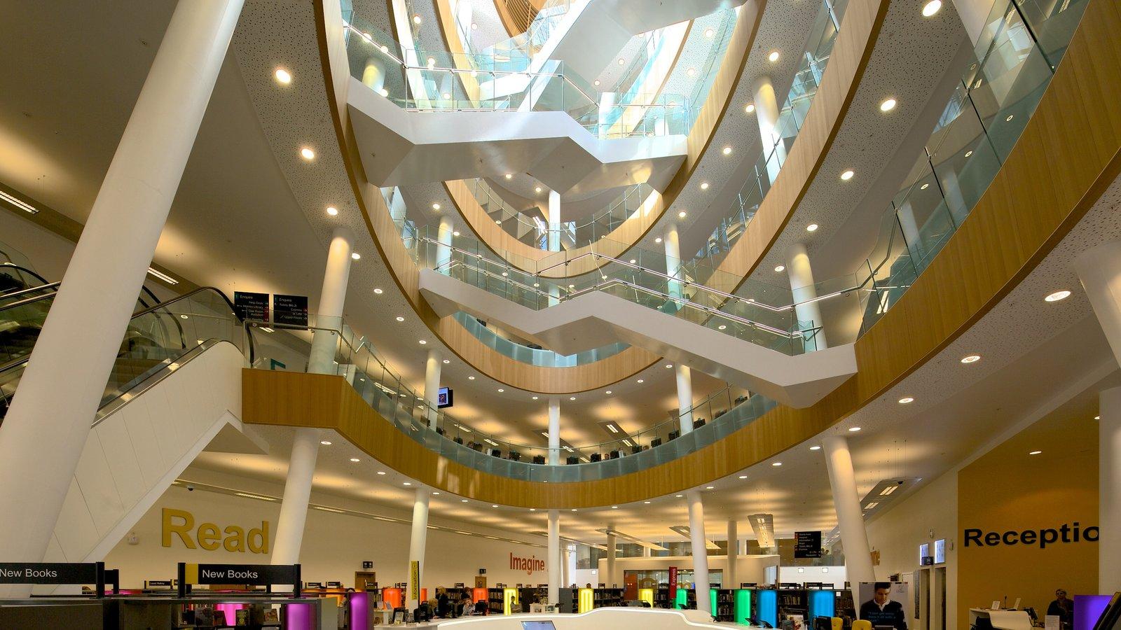 Liverpool Central Library que incluye vistas interiores