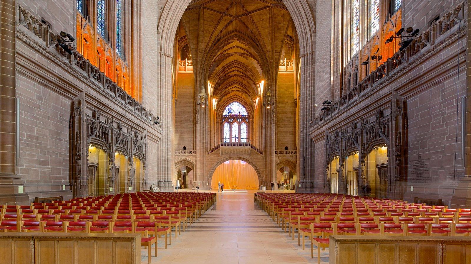 Liverpool Anglican Cathedral que incluye patrimonio de arquitectura, una iglesia o catedral y elementos religiosos