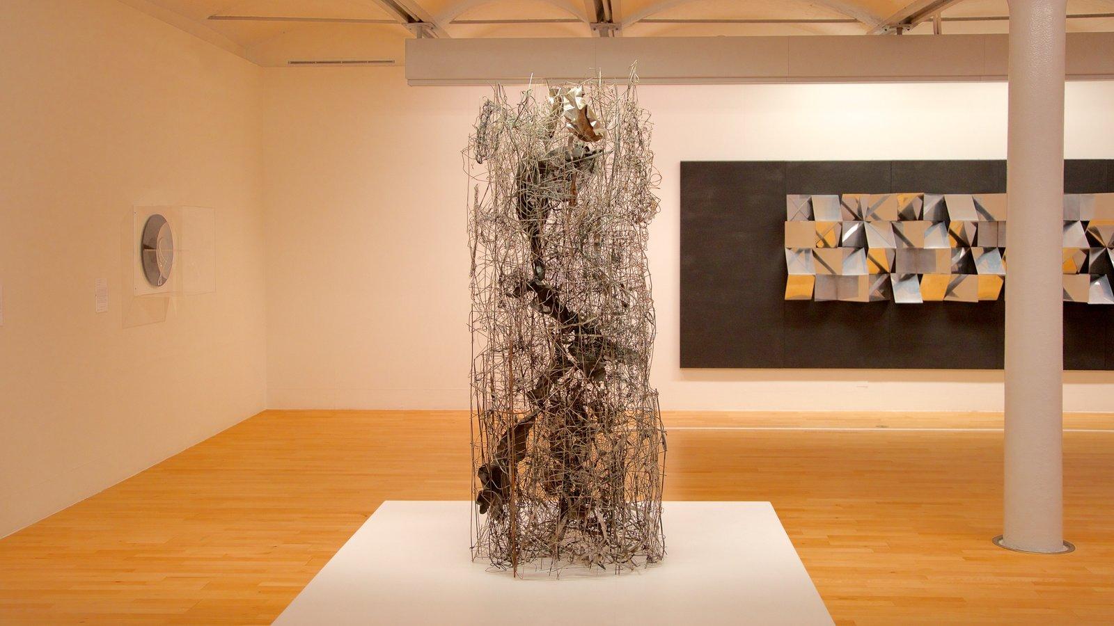 Tate Liverpool mostrando vistas interiores y arte