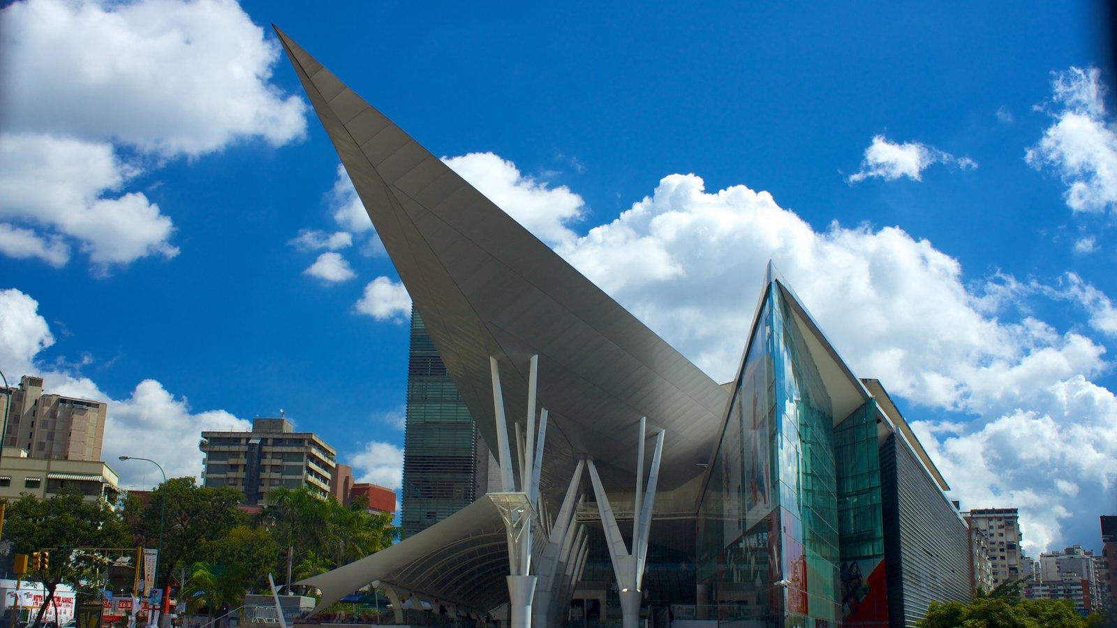 Millennium Mall que inclui arquitetura moderna