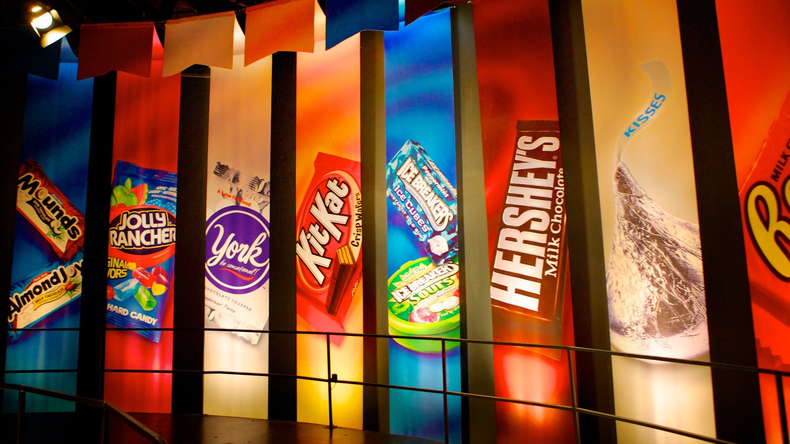 Attraction Pictures: View Images of Hershey's Chocolate World
