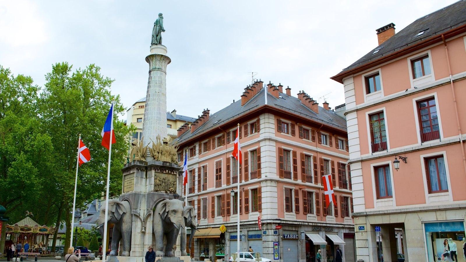 Chambery mostrando arquitetura de patrimônio e um monumento