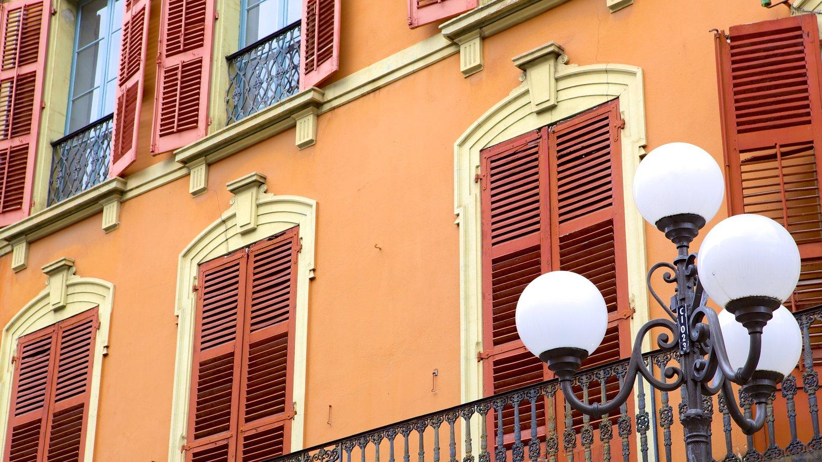 Chambery caracterizando arquitetura de patrimônio e uma casa