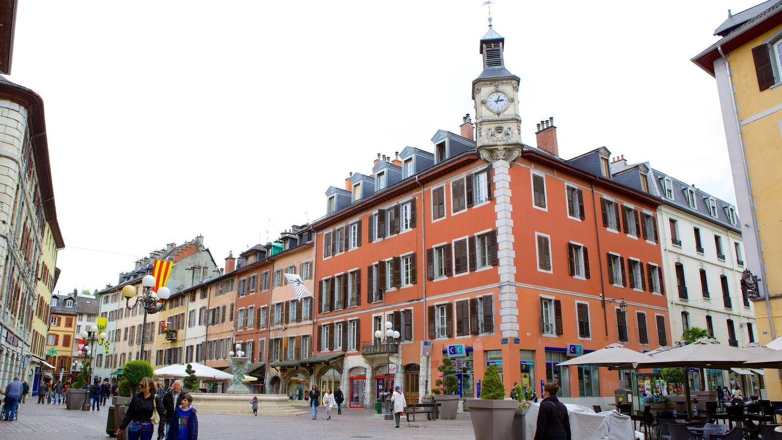 Chambery caracterizando cenas de rua, arquitetura de patrimônio e uma praça ou plaza
