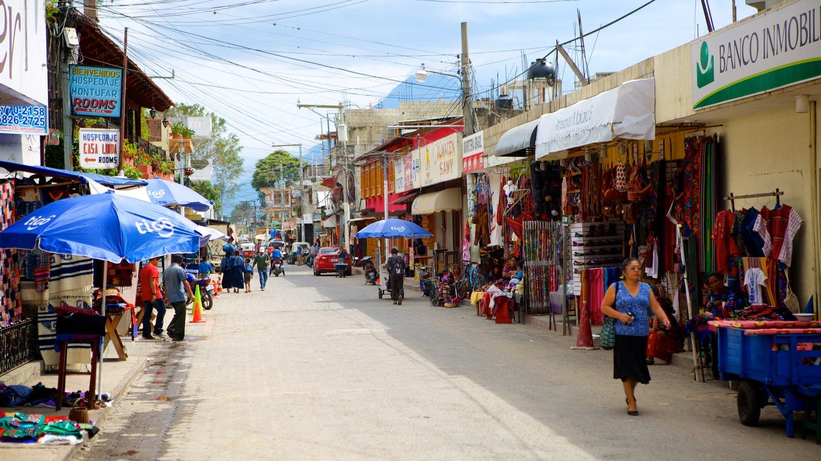 Panajachel que incluye mercados, escenas urbanas y tierras de cultivo