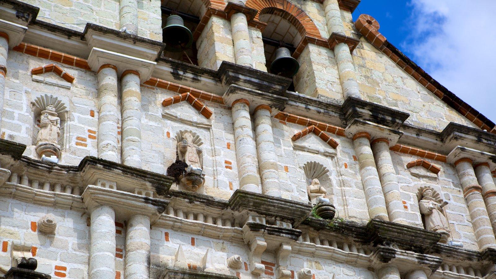 Igreja de São Francisco mostrando uma igreja ou catedral e arquitetura de patrimônio