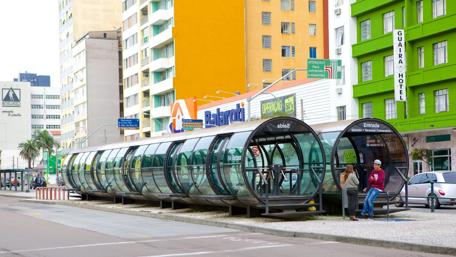Curitiba mostrando uma cidade, cenas de rua e arquitetura moderna