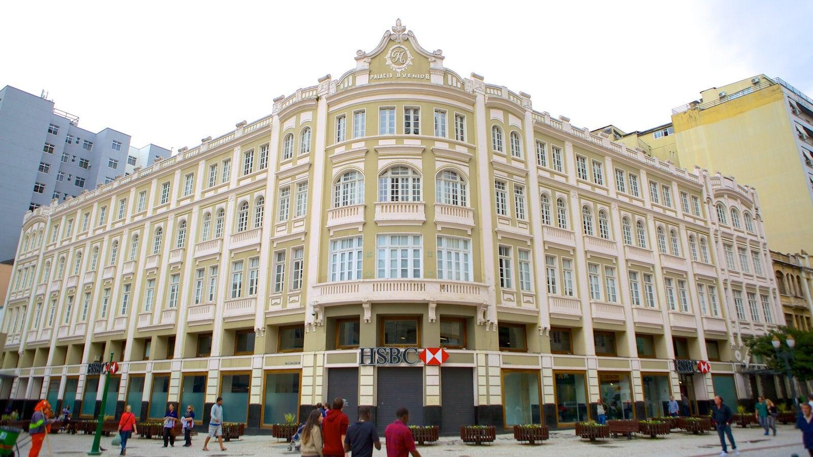 Curitiba que inclui arquitetura de patrimônio e cenas de rua