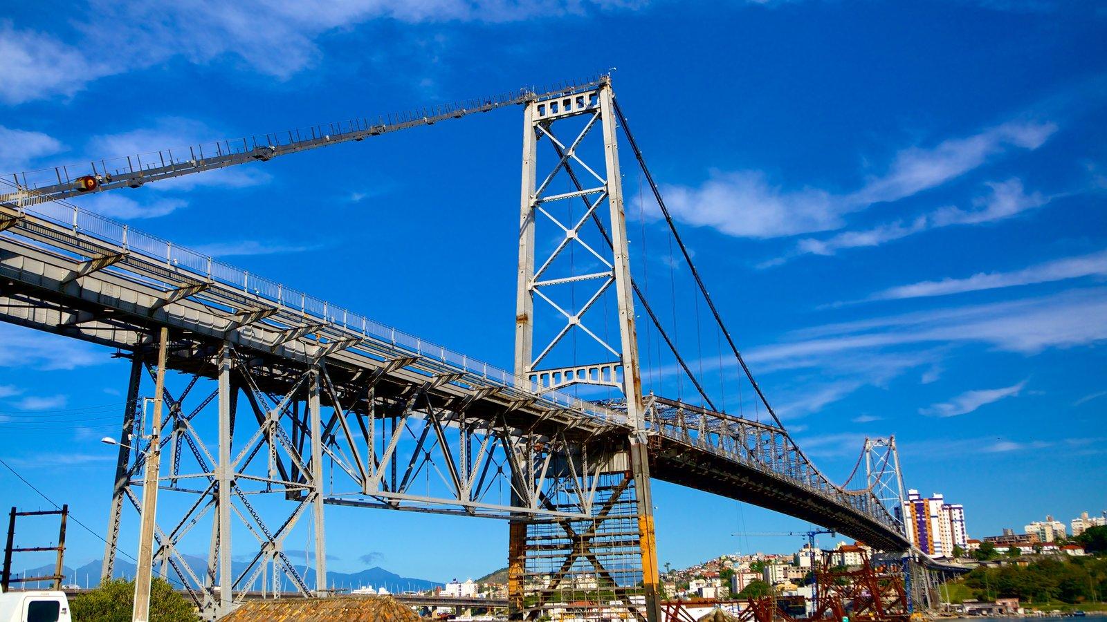 Ponte Hercílio Luz que inclui uma ponte