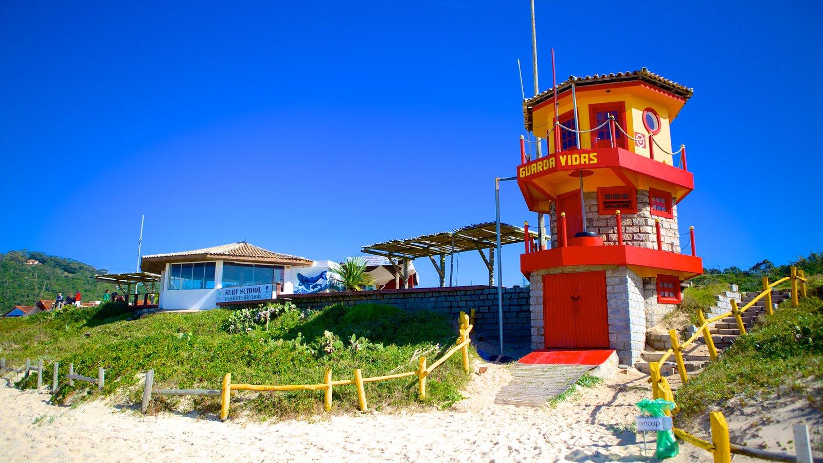 Praia Mole que inclui uma praia de areia