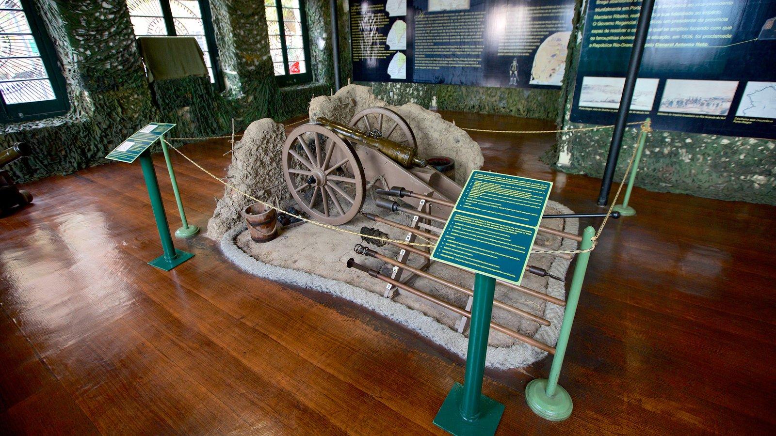 Museu Militar caracterizando vistas internas, itens militares e paisagens