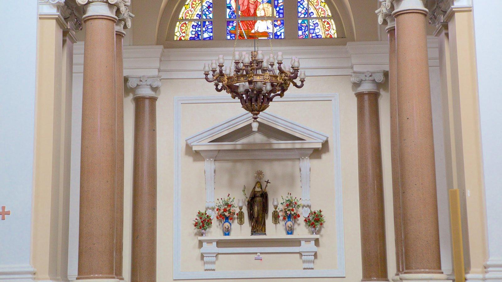 Catedral Metropolitana mostrando aspectos religiosos, uma igreja ou catedral e vistas internas