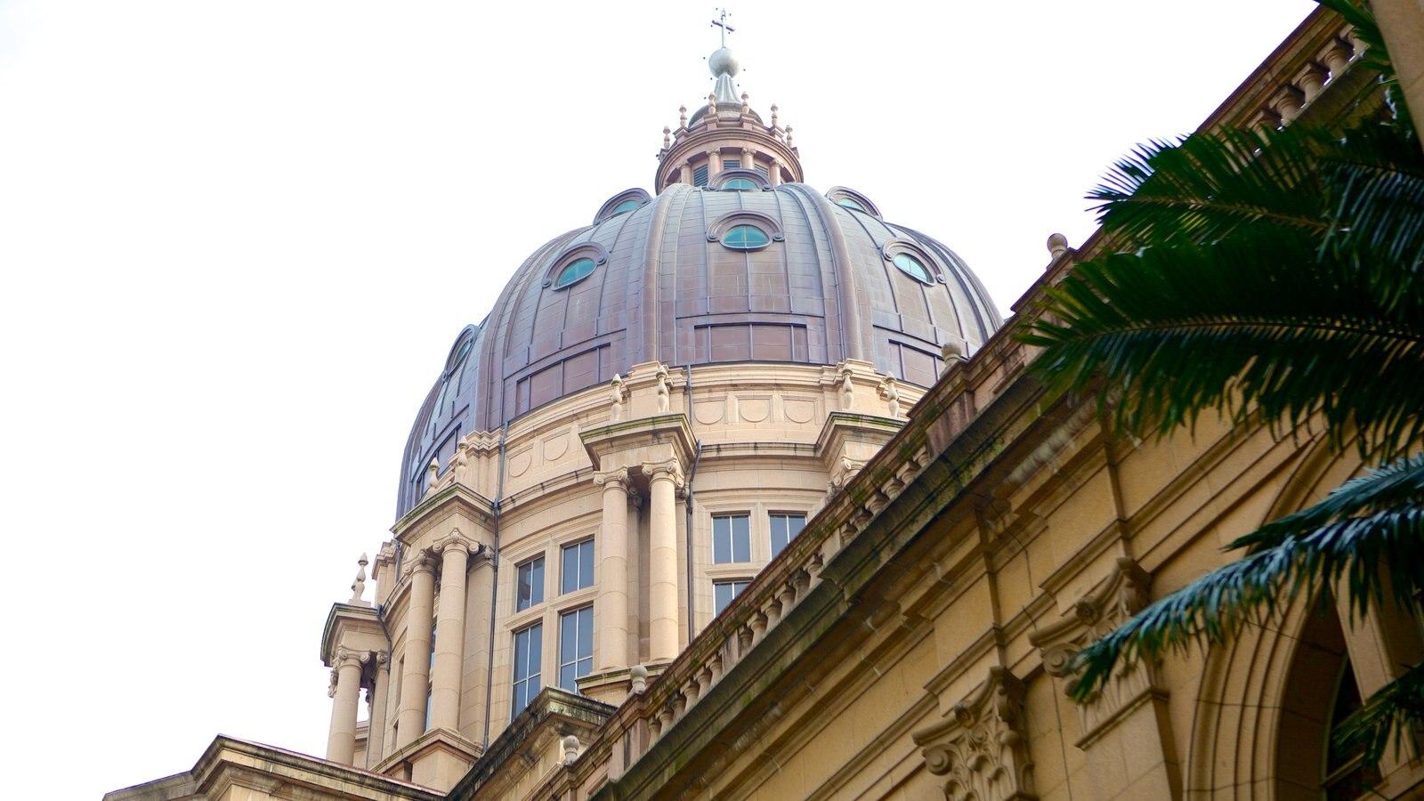 Catedral Metropolitana mostrando uma igreja ou catedral e arquitetura de patrimônio
