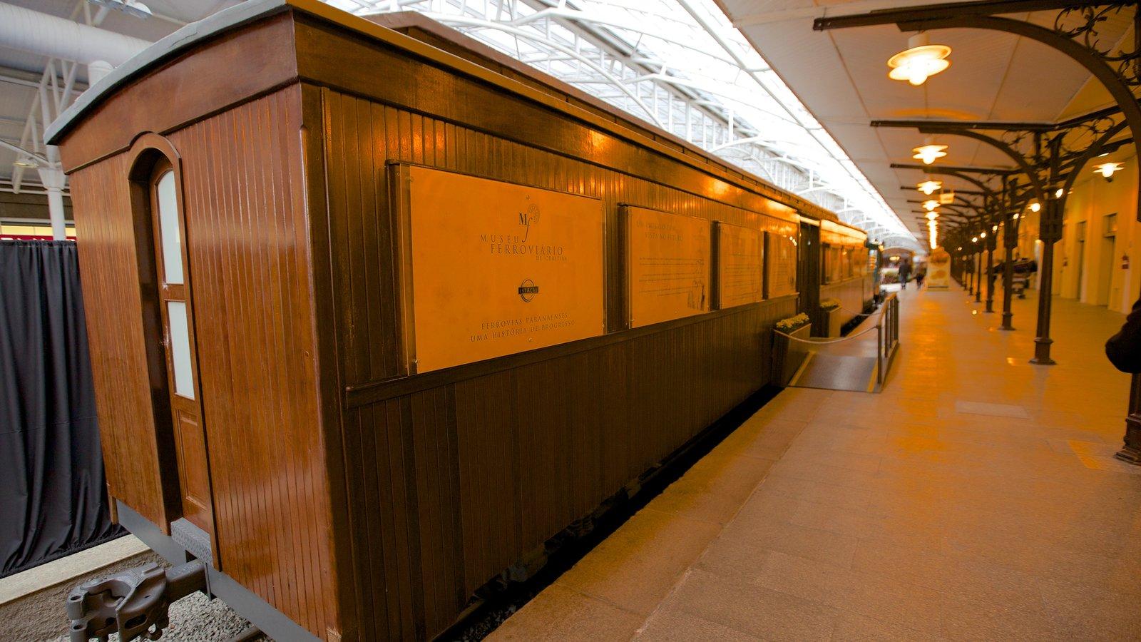 Museu da Ferrovia que inclui vistas internas e itens de ferrovia