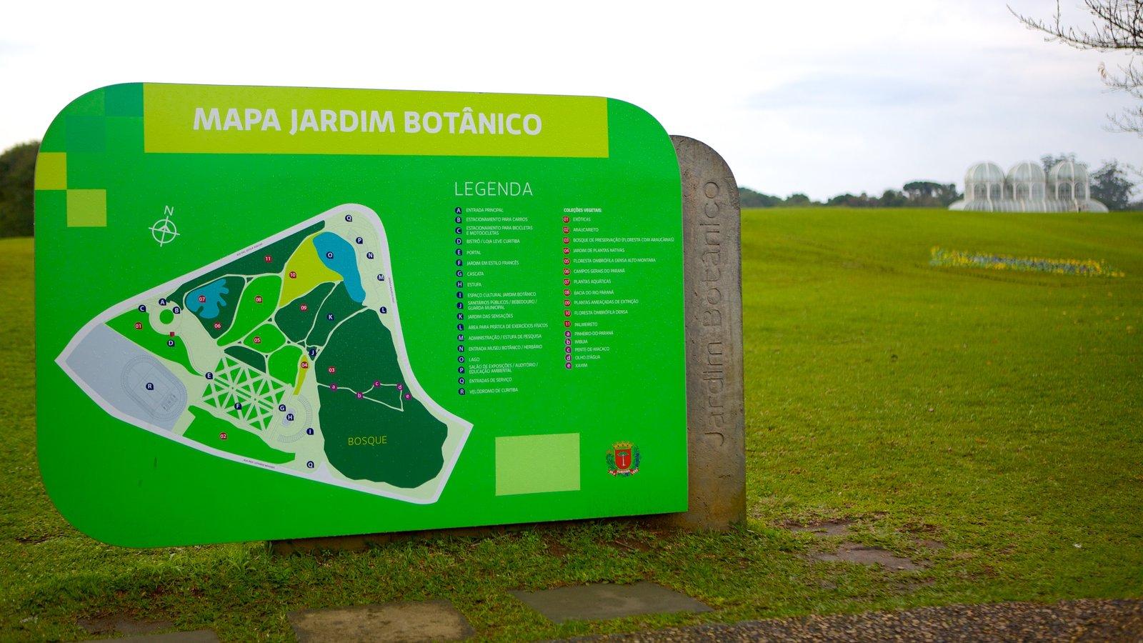 Parque Botânico de Curitiba mostrando um jardim e sinalização