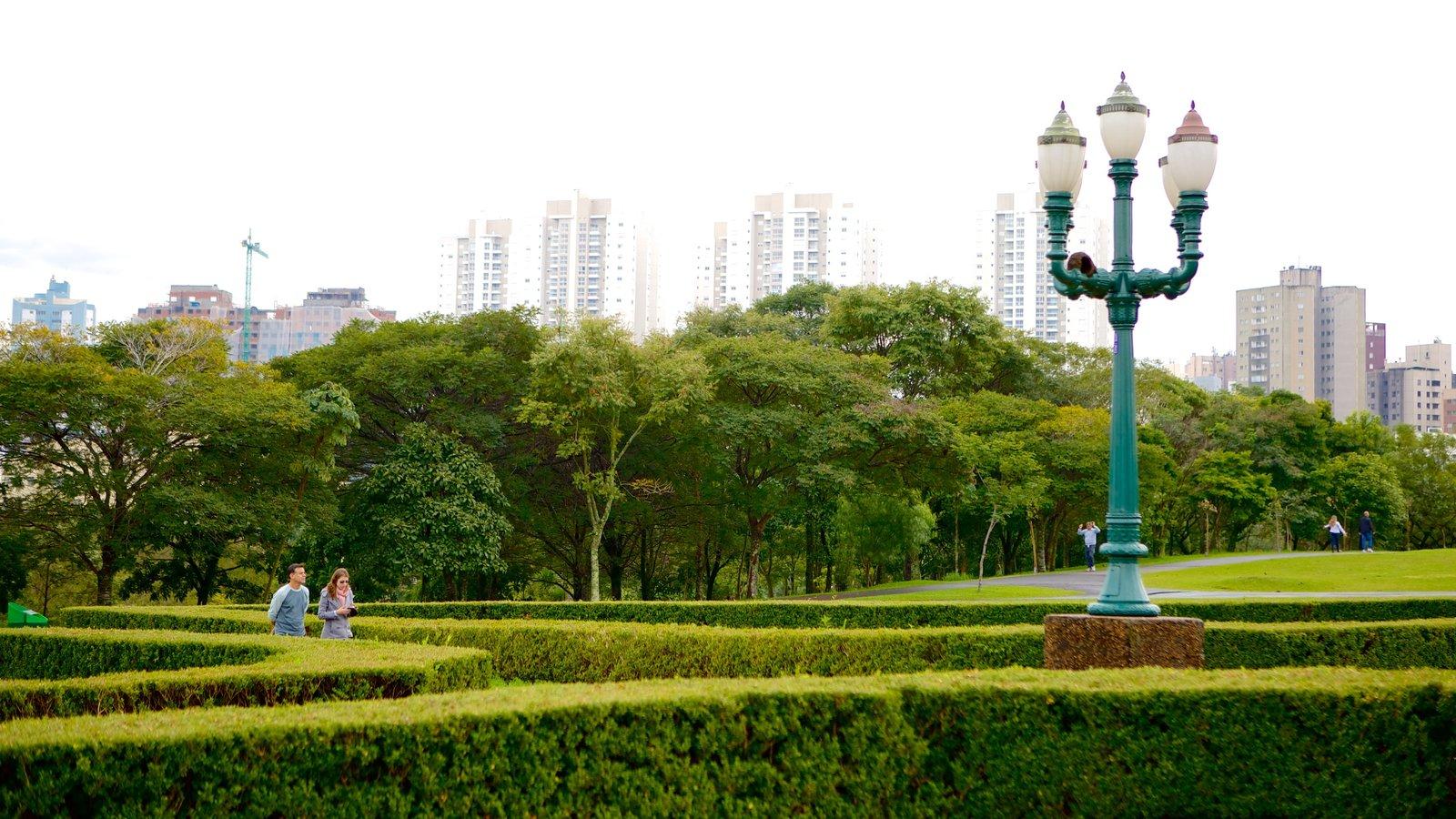 Parque Botânico de Curitiba mostrando um parque