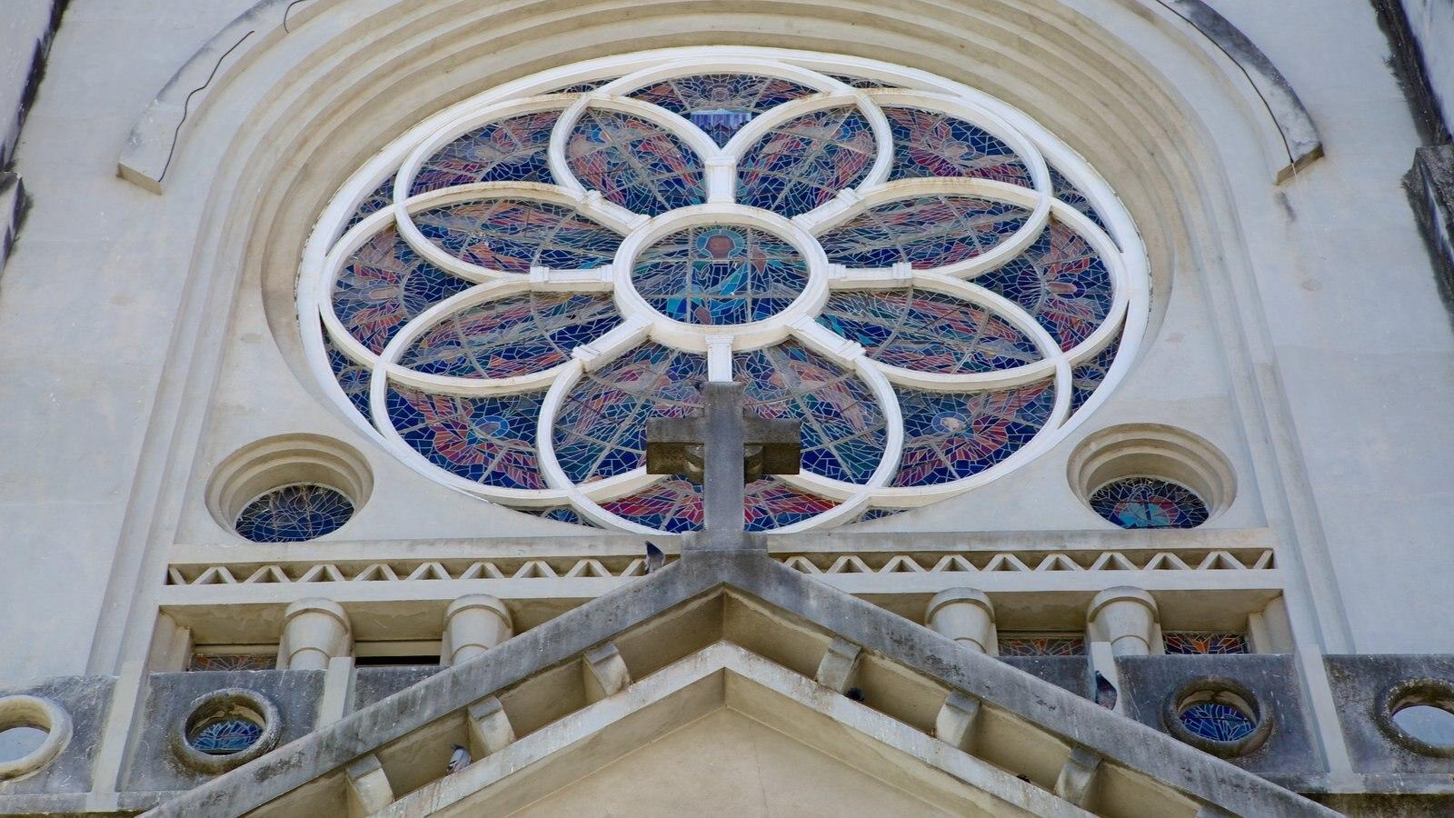 Catedral da Sé caracterizando uma igreja ou catedral, aspectos religiosos e arquitetura de patrimônio