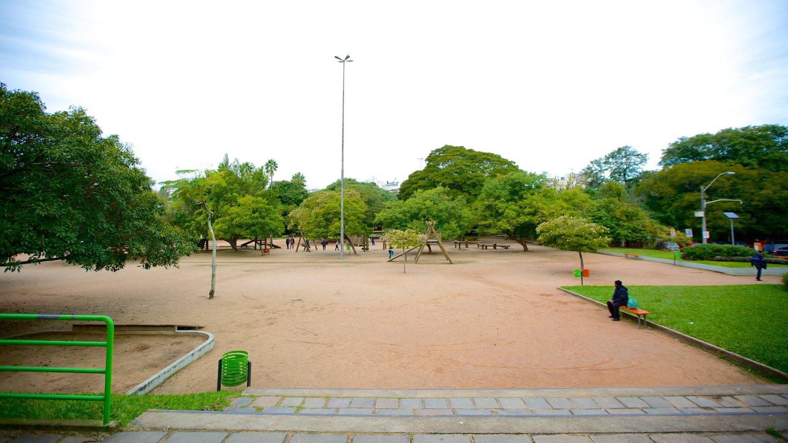 Parque Moinhos de Vento mostrando um parque