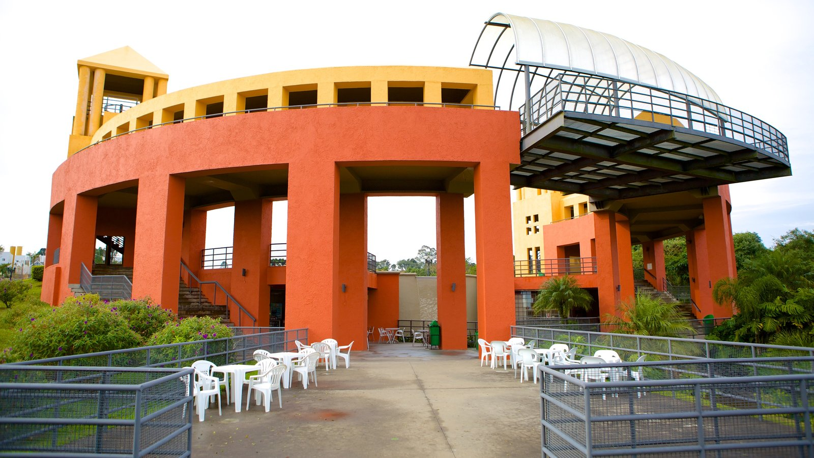 Parque Tanguá caracterizando arquitetura moderna
