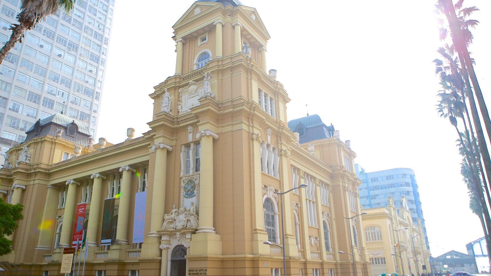 Museu de Arte do Rio Grande do Sul que inclui cenas de rua e arquitetura de patrimônio