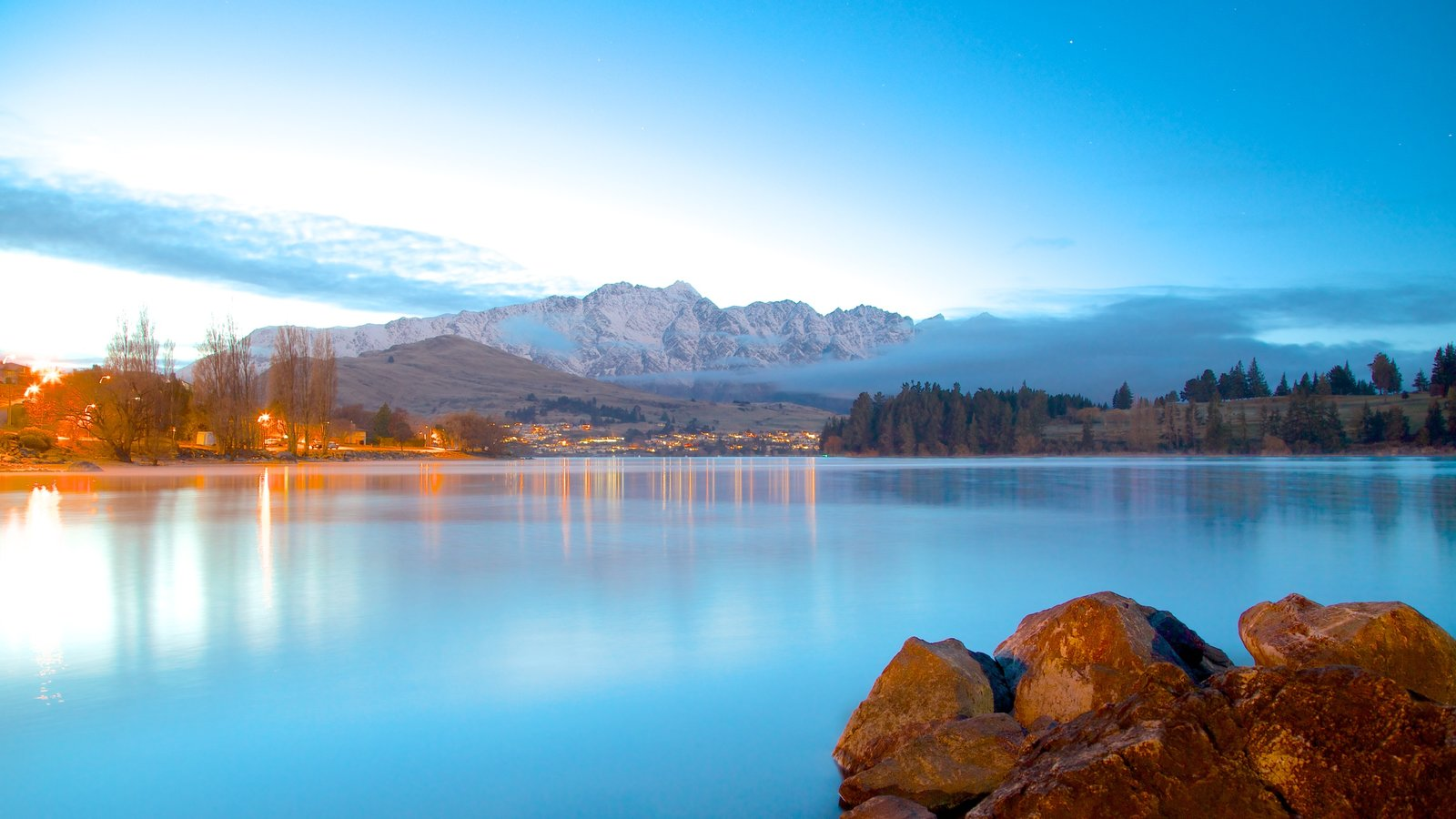 Queenstown showing mountains, landscape views and a lake or waterhole