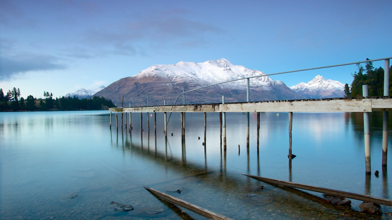 Queenstown which includes landscape views, a lake or waterhole and mountains
