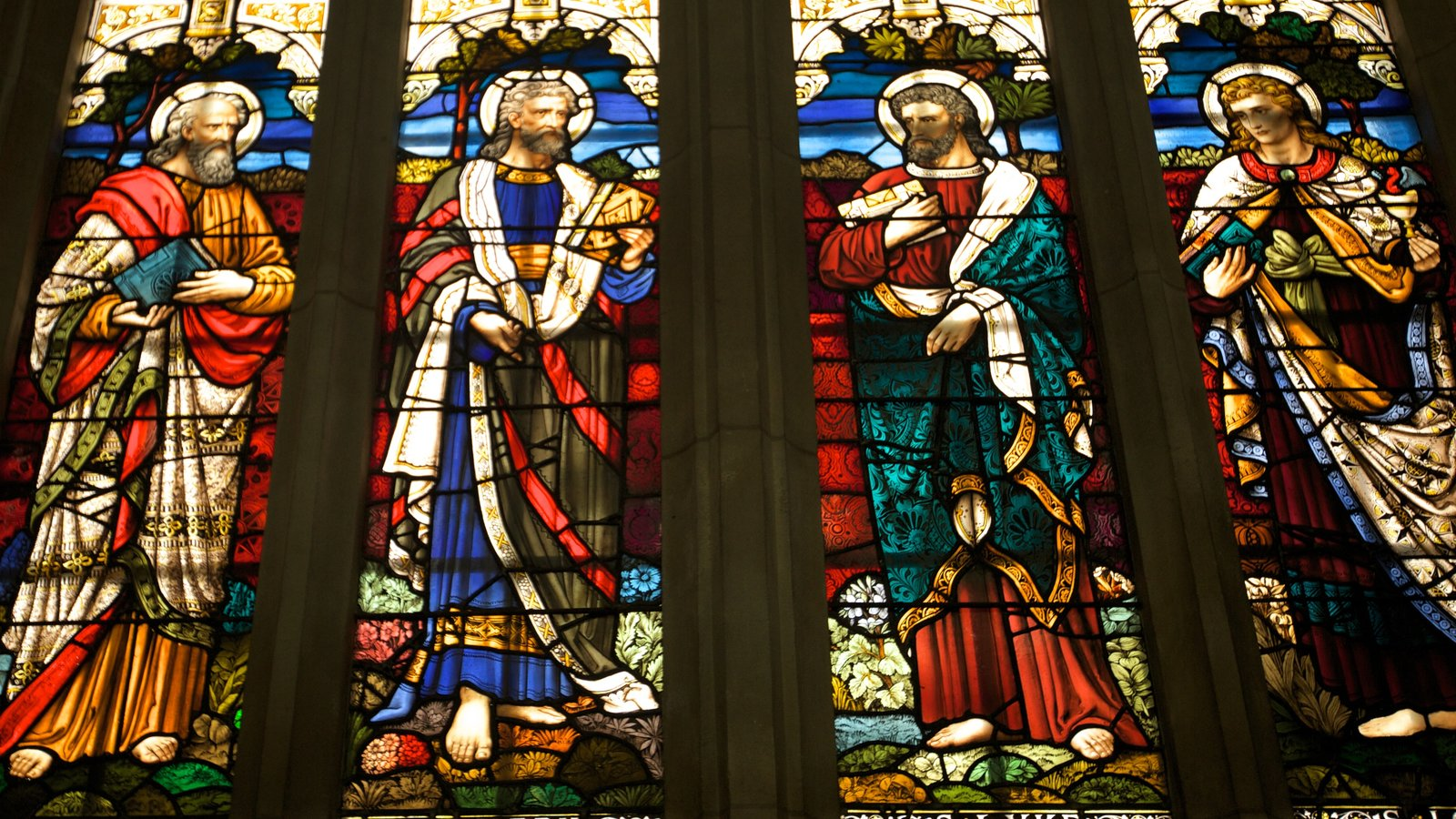 St. Paul\'s Cathedral which includes interior views, religious aspects and art