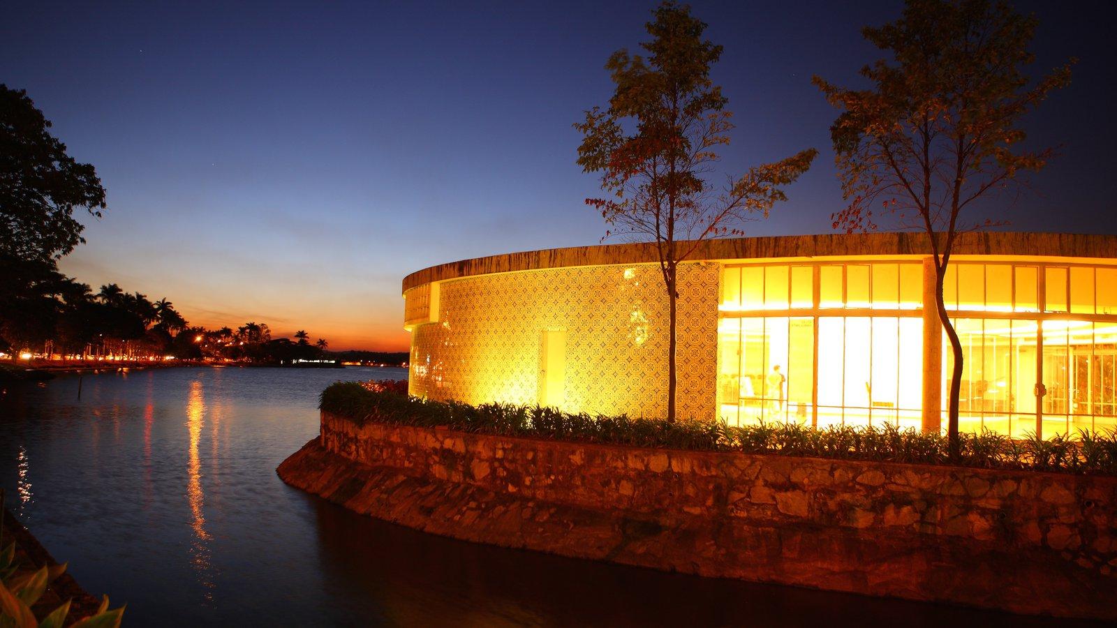 Belo Horizonte que inclui paisagens litorâneas, um pôr do sol e cenas noturnas