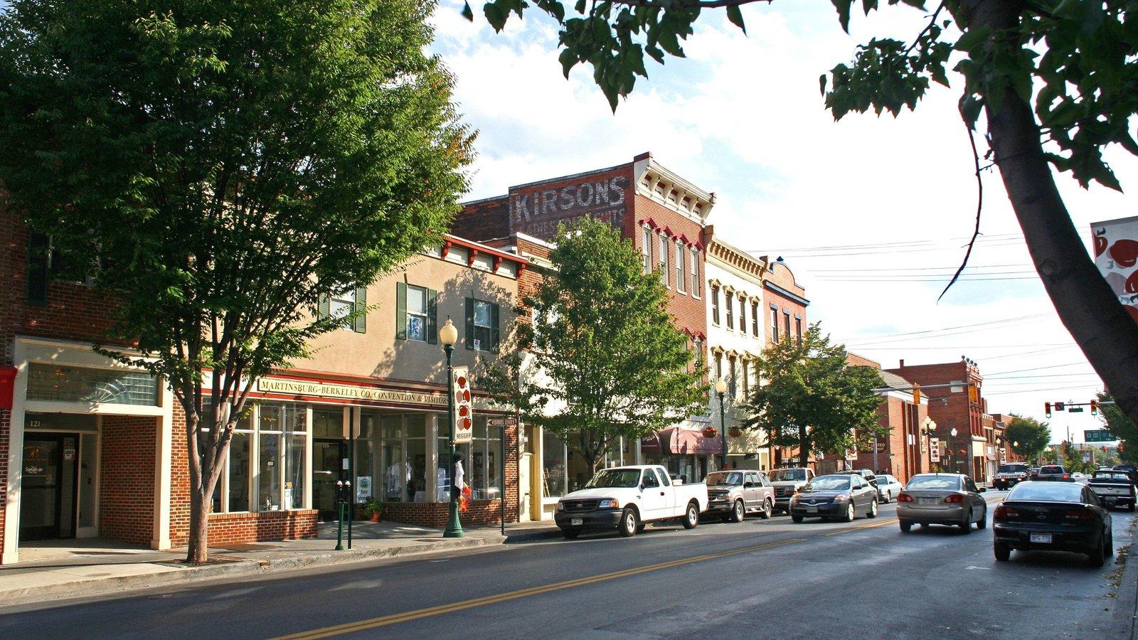 Martinsburg que incluye escenas urbanas