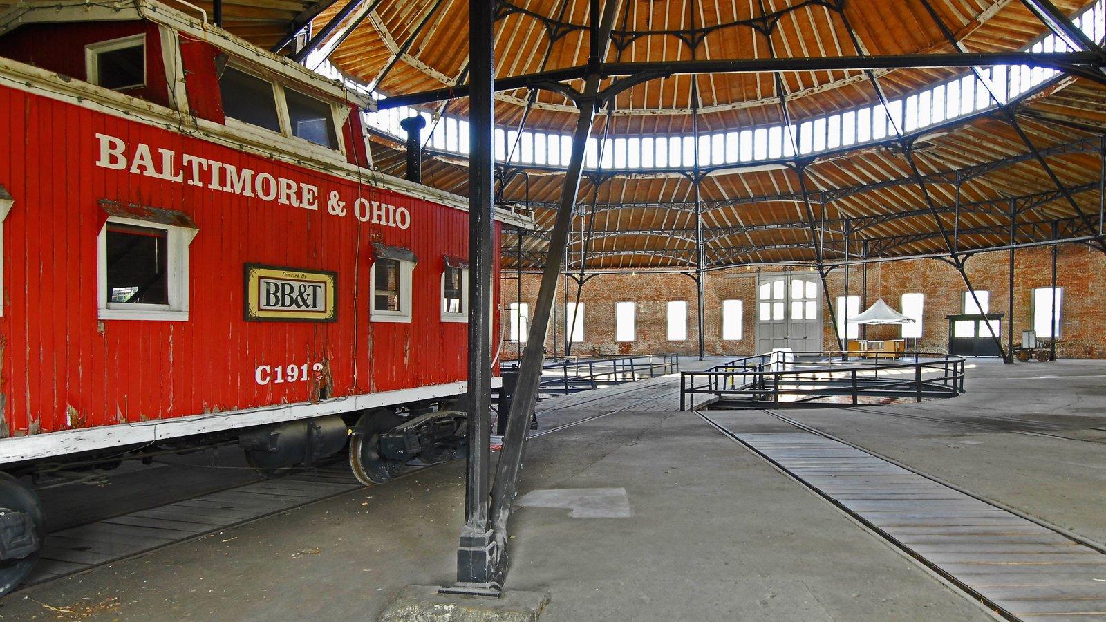 Martinsburg que incluye elementos del patrimonio, vistas interiores y artículos de ferrocarril