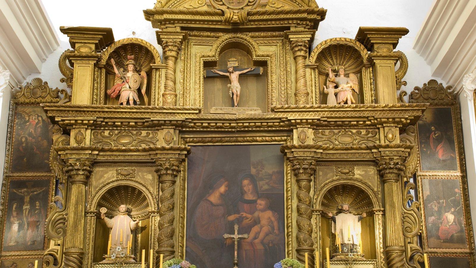 Cordoba que inclui aspectos religiosos, vistas internas e arquitetura de patrimônio