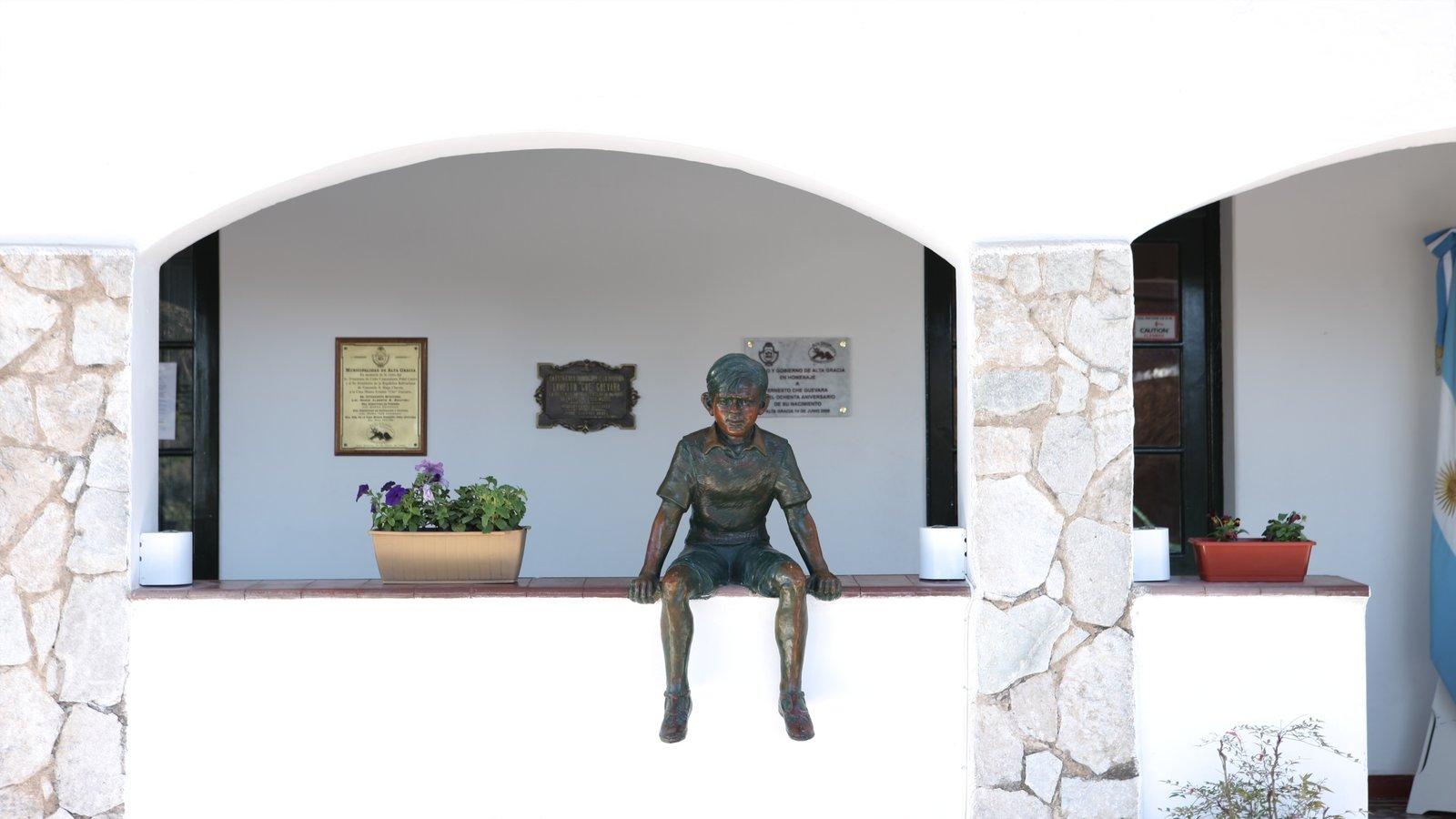 Cordoba caracterizando uma estátua ou escultura