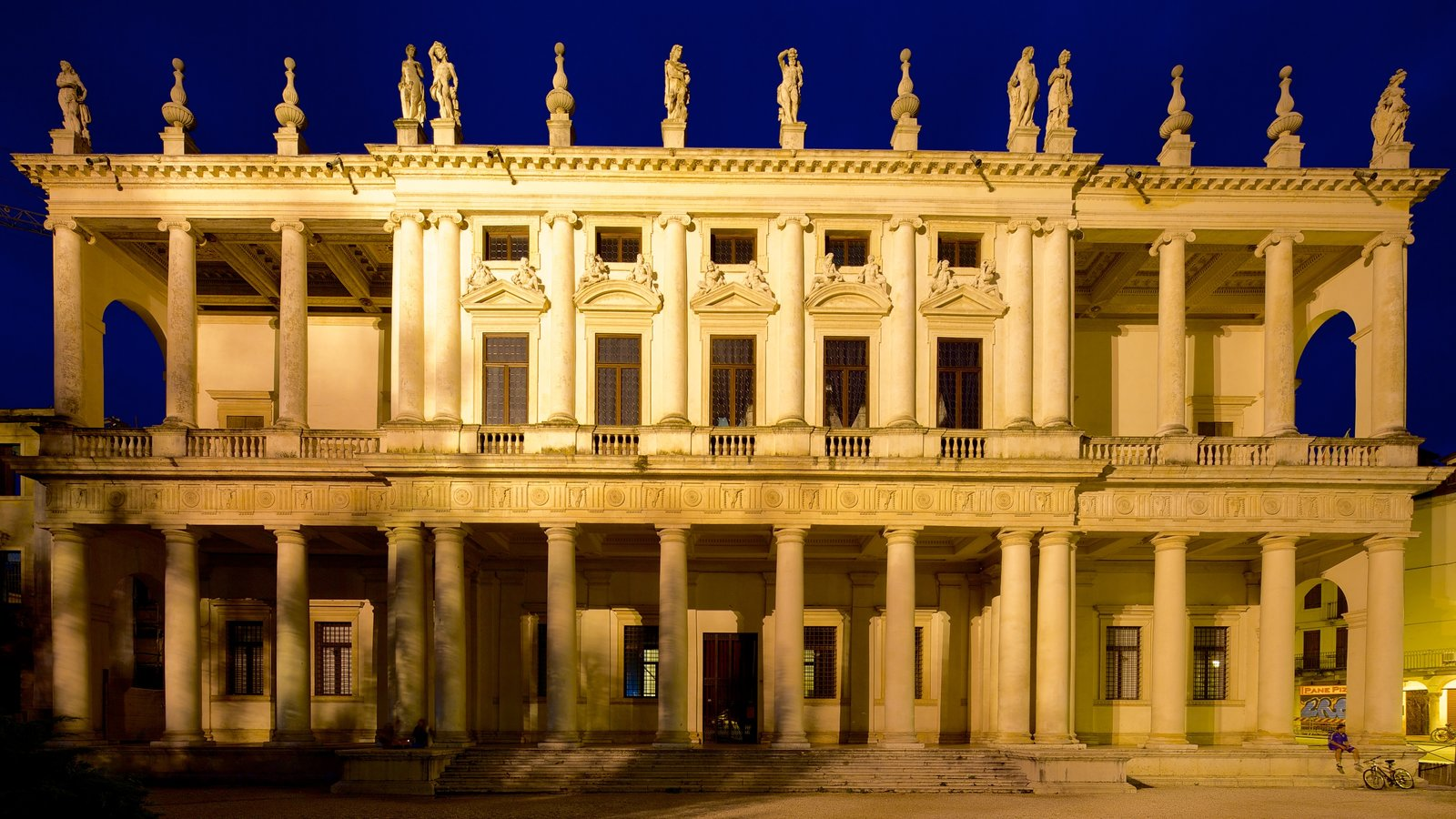 Palazzo Chiericati which includes heritage architecture, a castle and night scenes