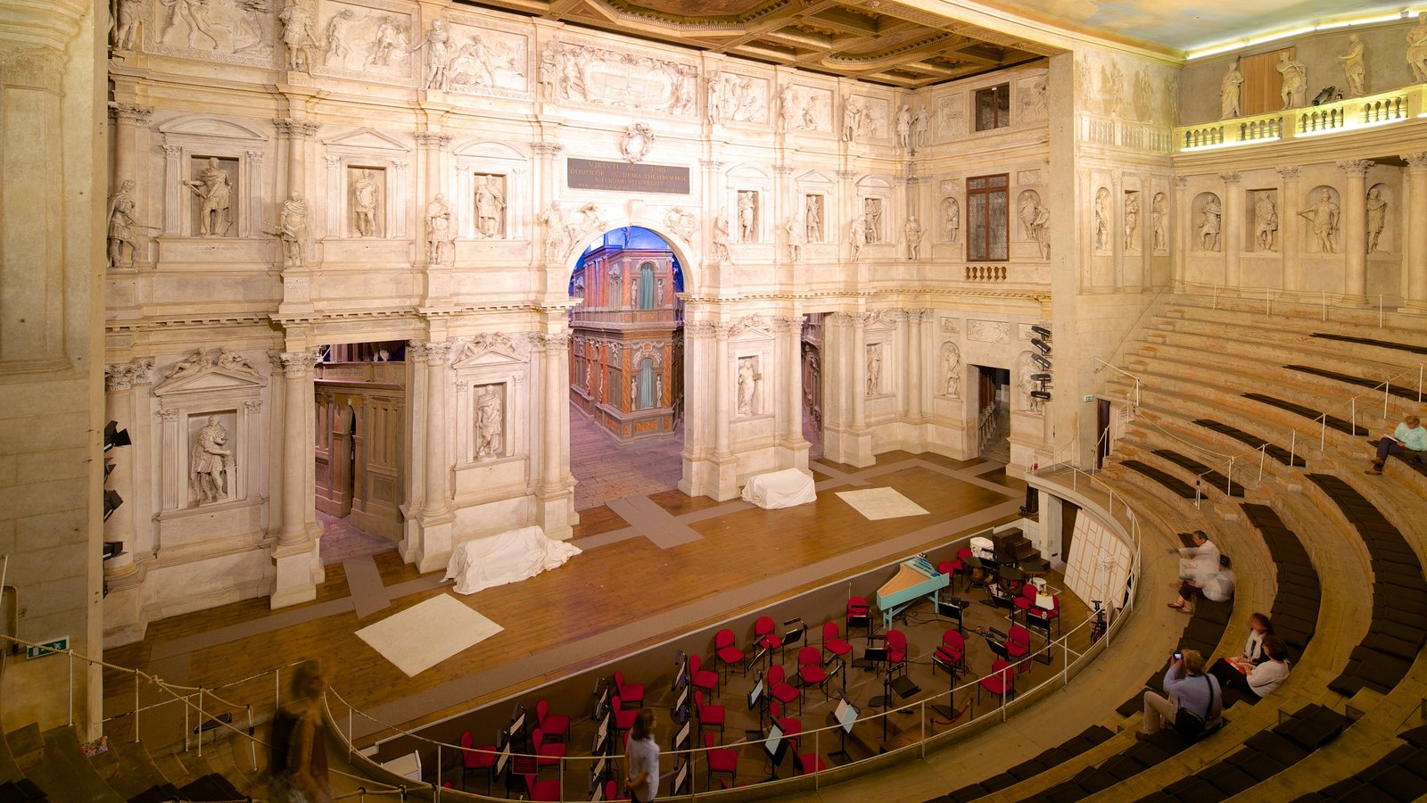 Vicenza featuring theater scenes and interior views