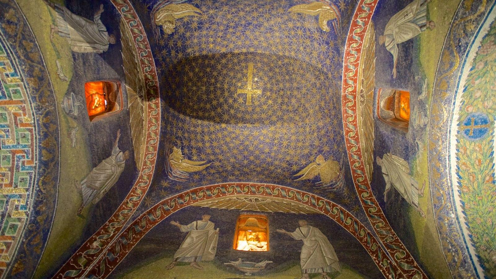 Mausoléu de Galla Placidia mostrando elementos de patrimônio, elementos religiosos e vistas internas