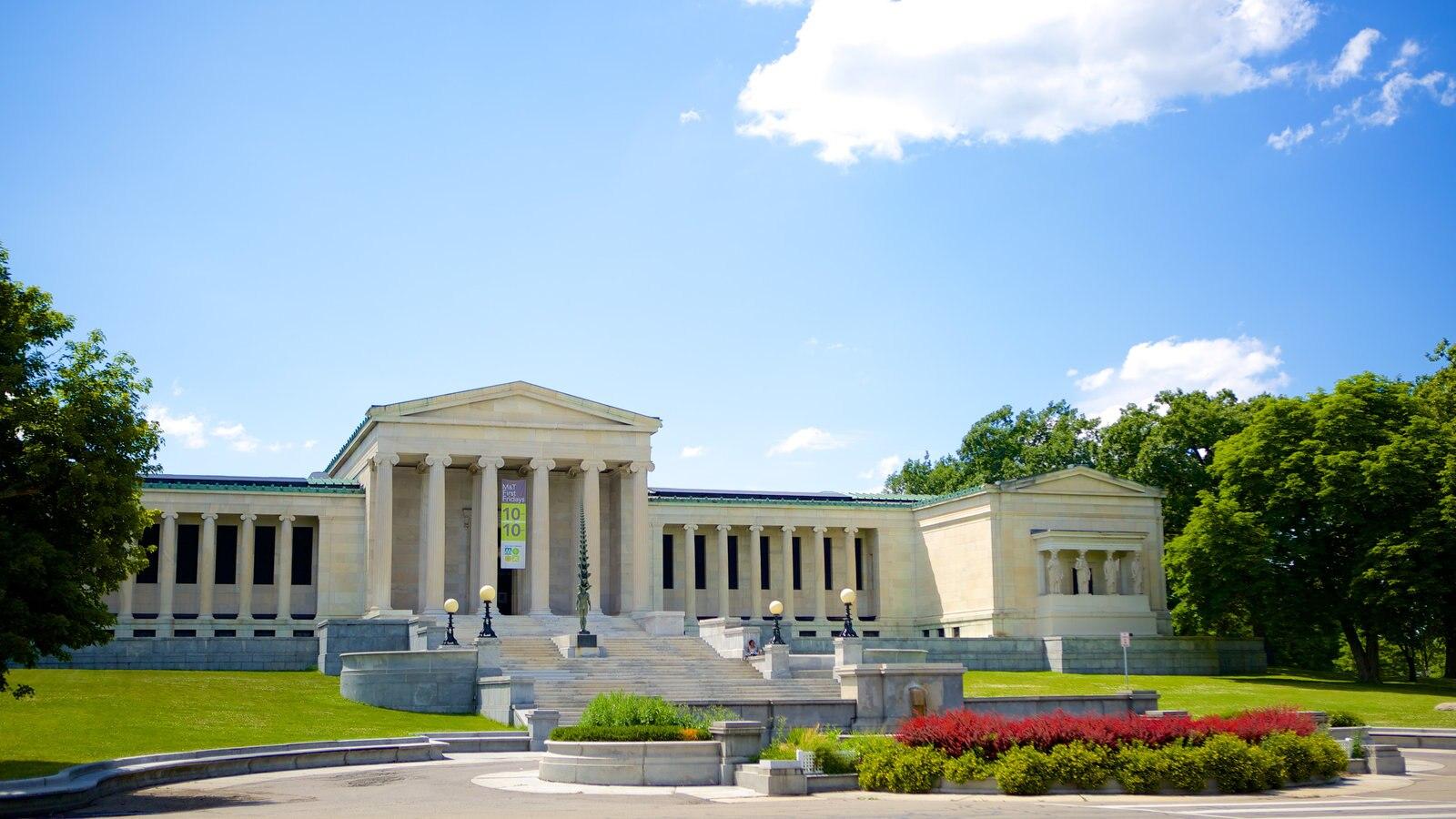 Delaware Park caracterizando um edifício administrativo e um jardim