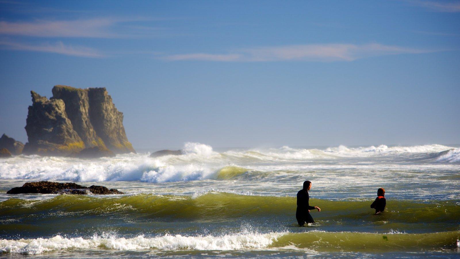 Bandon Beach mostrando paisagens litorâneas