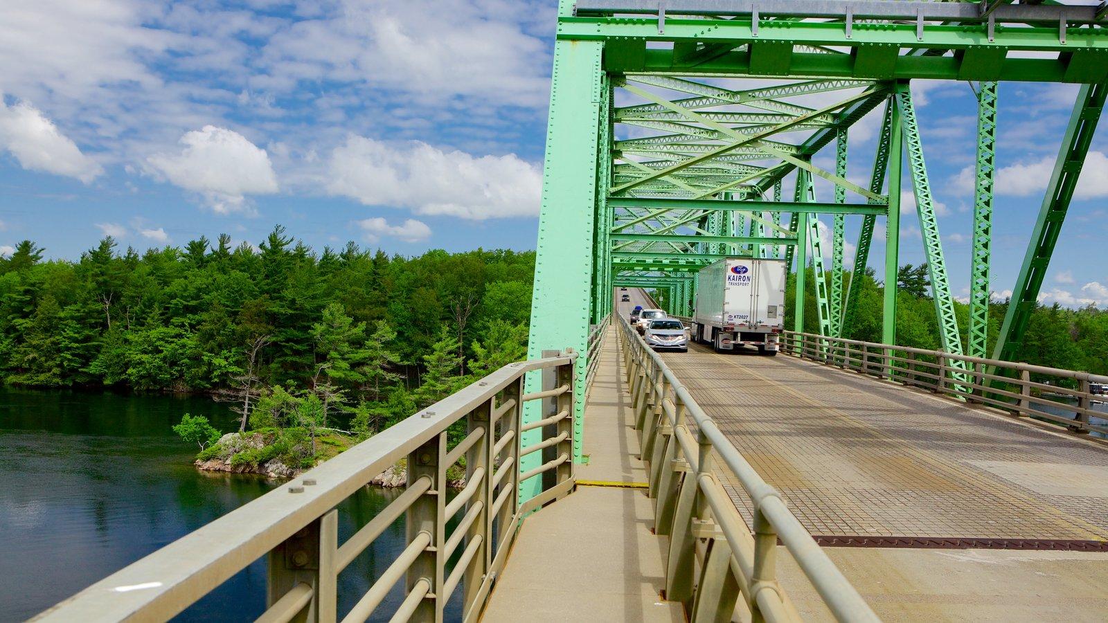 St. Lawrence Islands National Park mostrando uma ponte