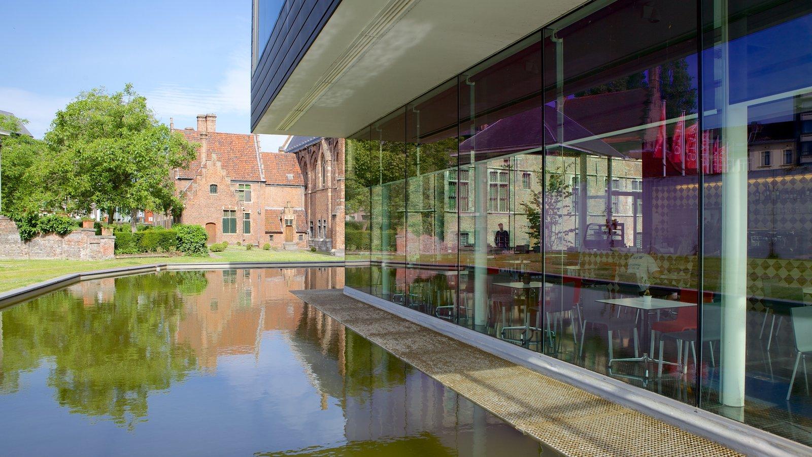 Museo Municipal de Gante STAM mostrando arquitectura moderna