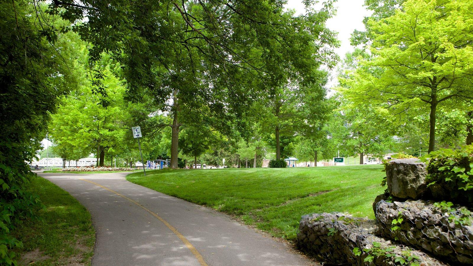 London, ON que incluye un parque