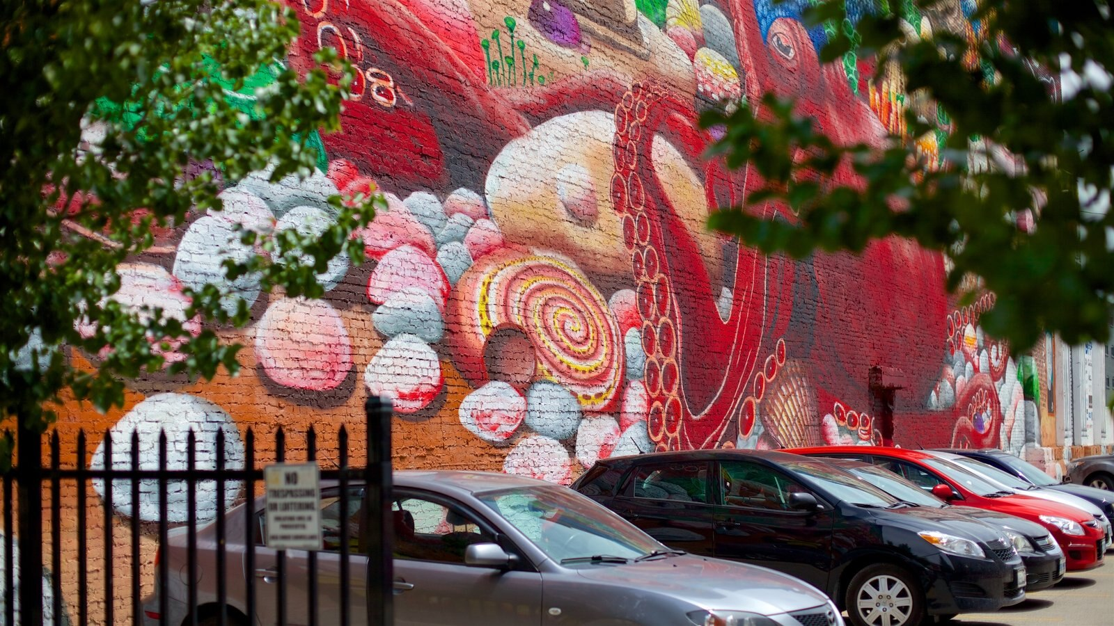 London, ON mostrando arte al aire libre y escenas urbanas